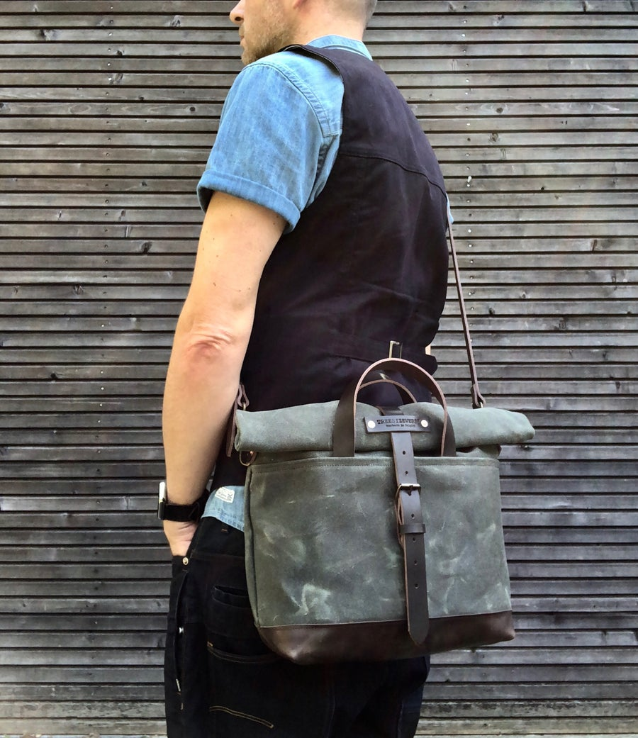 Image of Waxed canvas messenger bag / cross body bag with leather shoulder strap and padded bottem COLLECTION