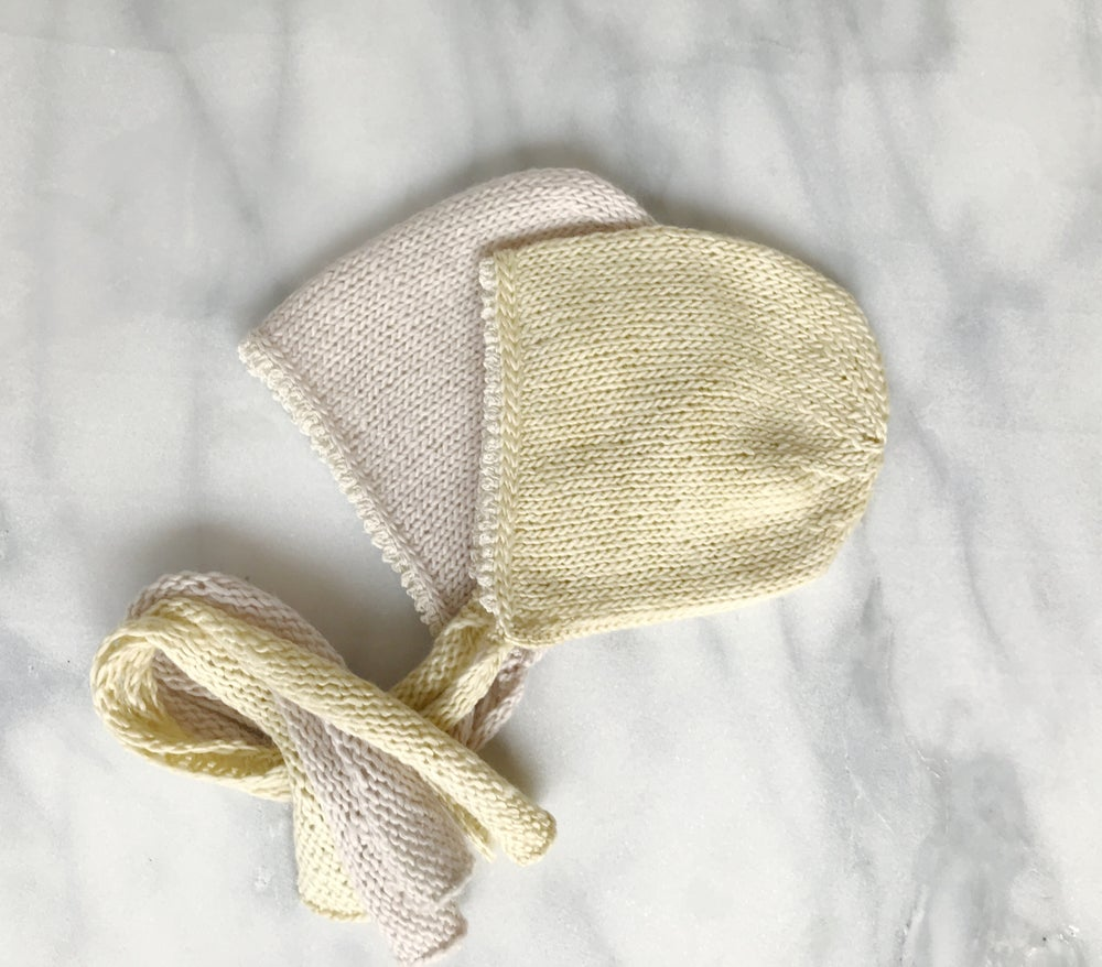 Tiny Scallops Bonnet