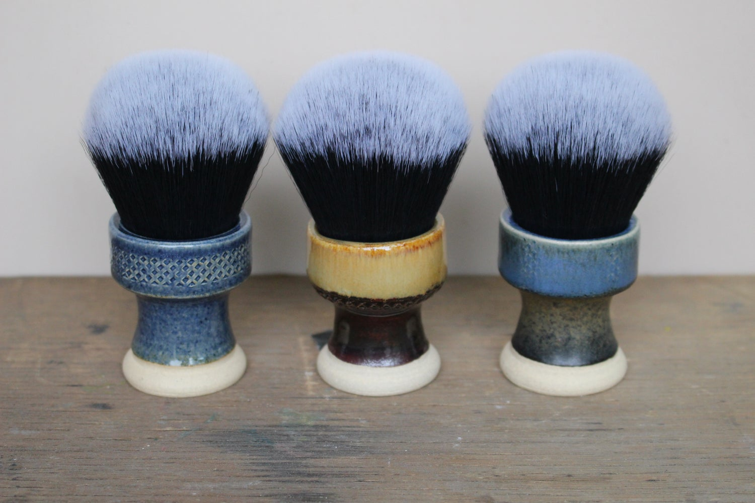 Image of 30mm Waisted Tuxedo Shaving Brush