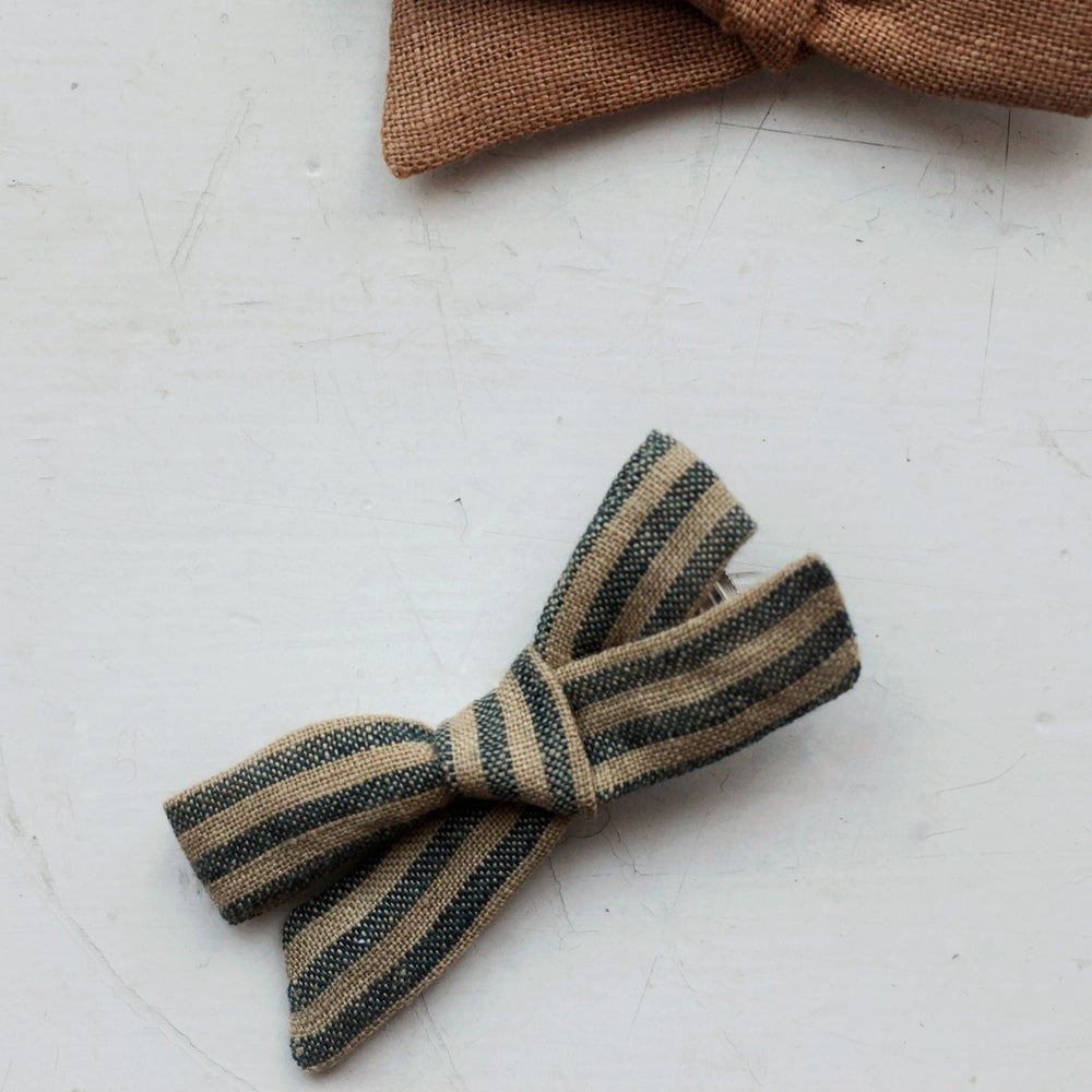 Image of Bow clip - Mustard stripe