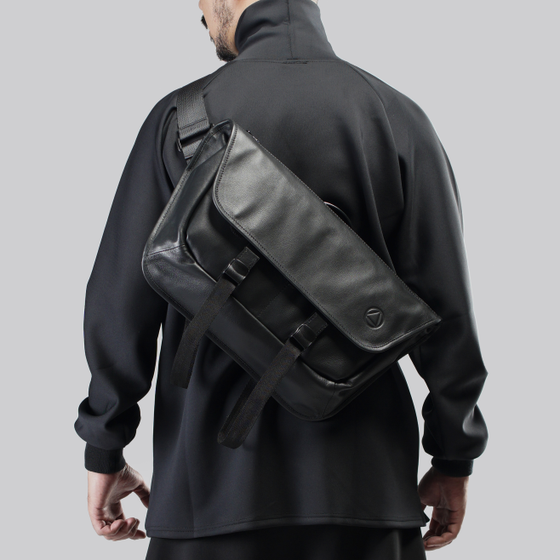 Image of AR-11M56 CROSSBODY