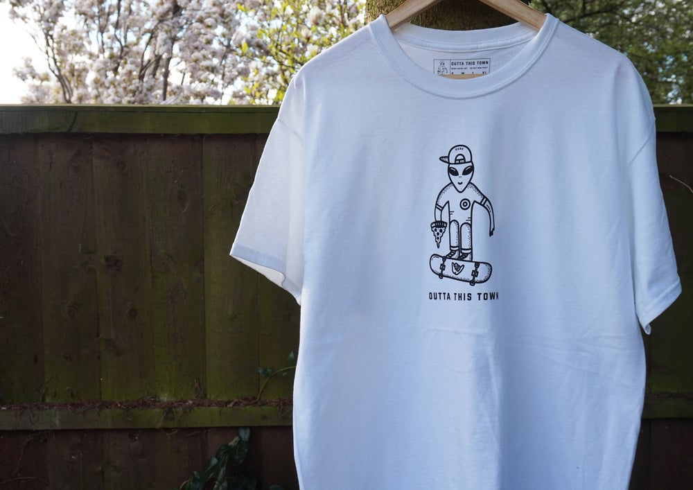 Image of Skater Alien T-shirt White