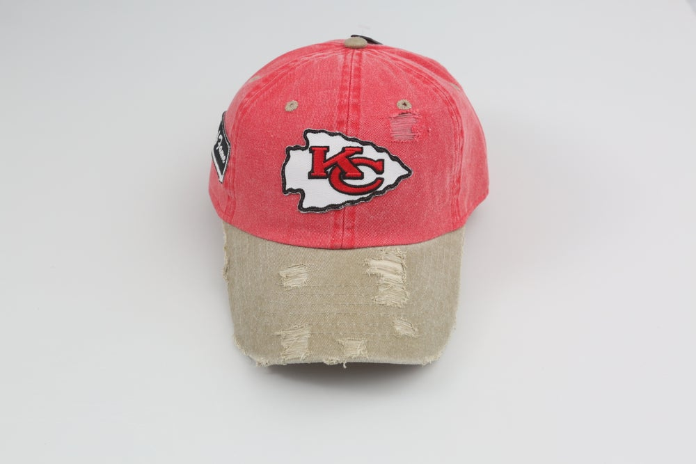 Image of Kansas City Chiefs Red & Tan 2-Tone Distressed Dad Hat