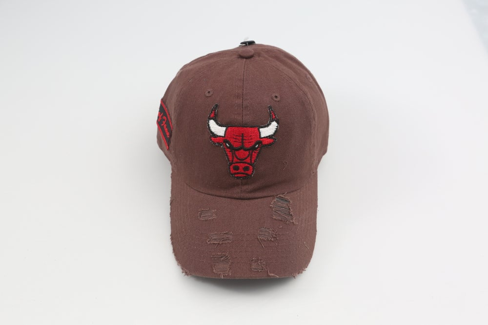 Image of Bulls Chocolate Distressed Dad Hat
