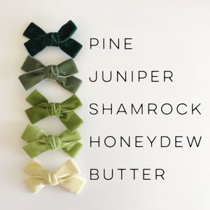 "Image of 4"" Velvet Hair Bows"