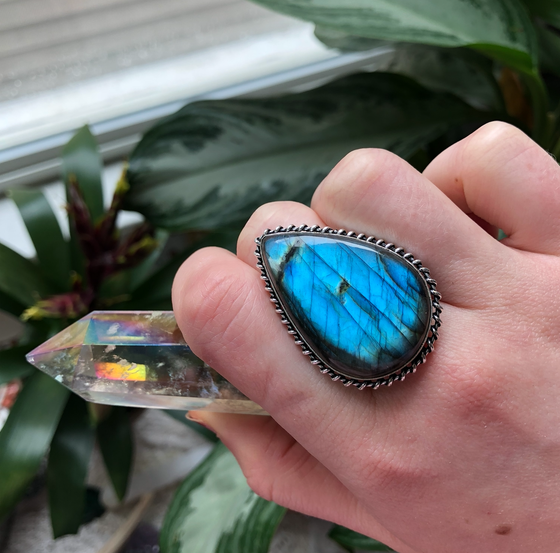 "Image of ""Cosmic Ocean"" Labradorite Sterling Silver Ring (8)"