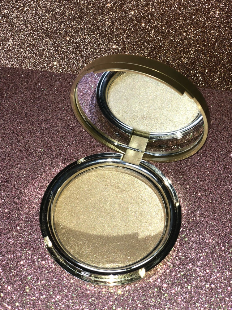 "Image of ""Topaz Glow"" highlighter"