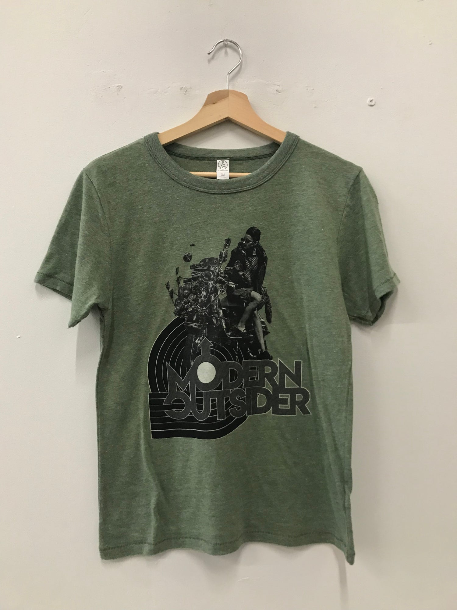 Image of MODERN OUTSIDER SCOOTER T-SHIRT GREEN