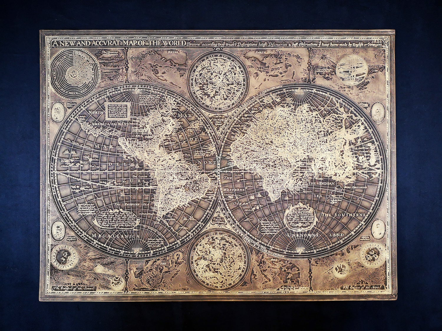 Image of MAPPEMONDE Finition Or Ancien /Or Chatoyant