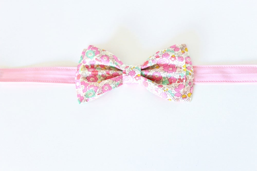 Image of Noeud Papillon Adulte en Liberty Betsy Ann Sweet Pink - SUR COMMANDE
