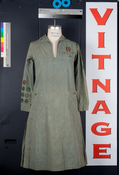 Image of Los Angeles 1930's Depression Era Girl Scout Uniform Dress GSA w Patches Sleeve