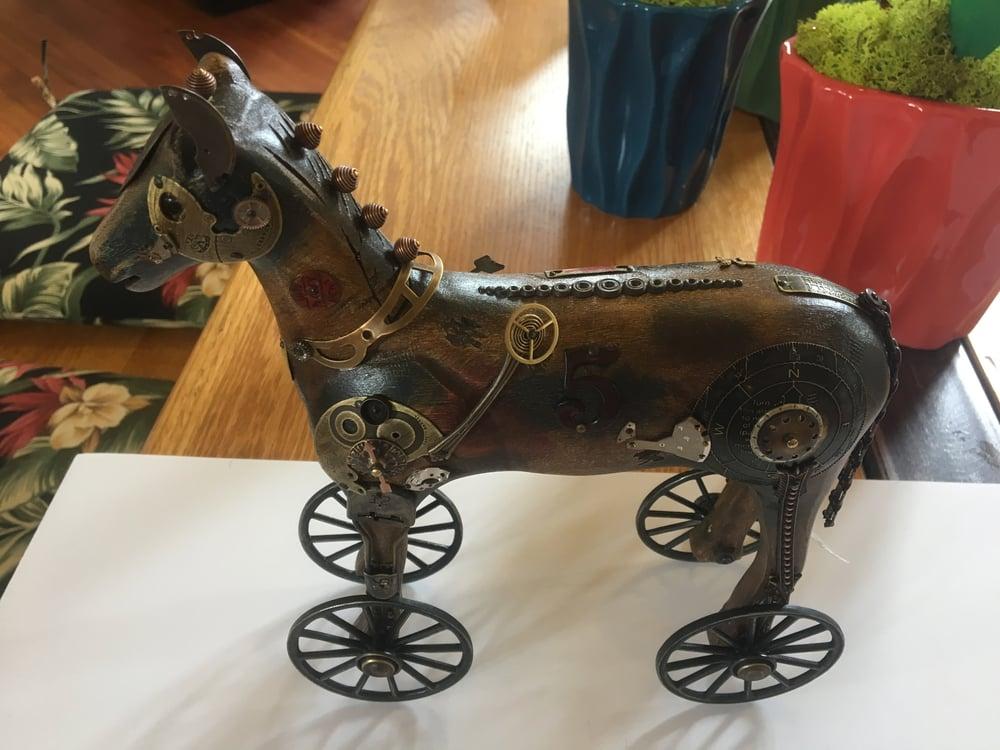 Image of Horse by James & Tori Mullan
