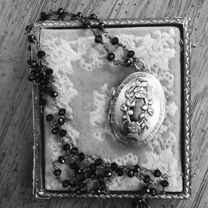 Image of Perfume Mourning Locket (oval)