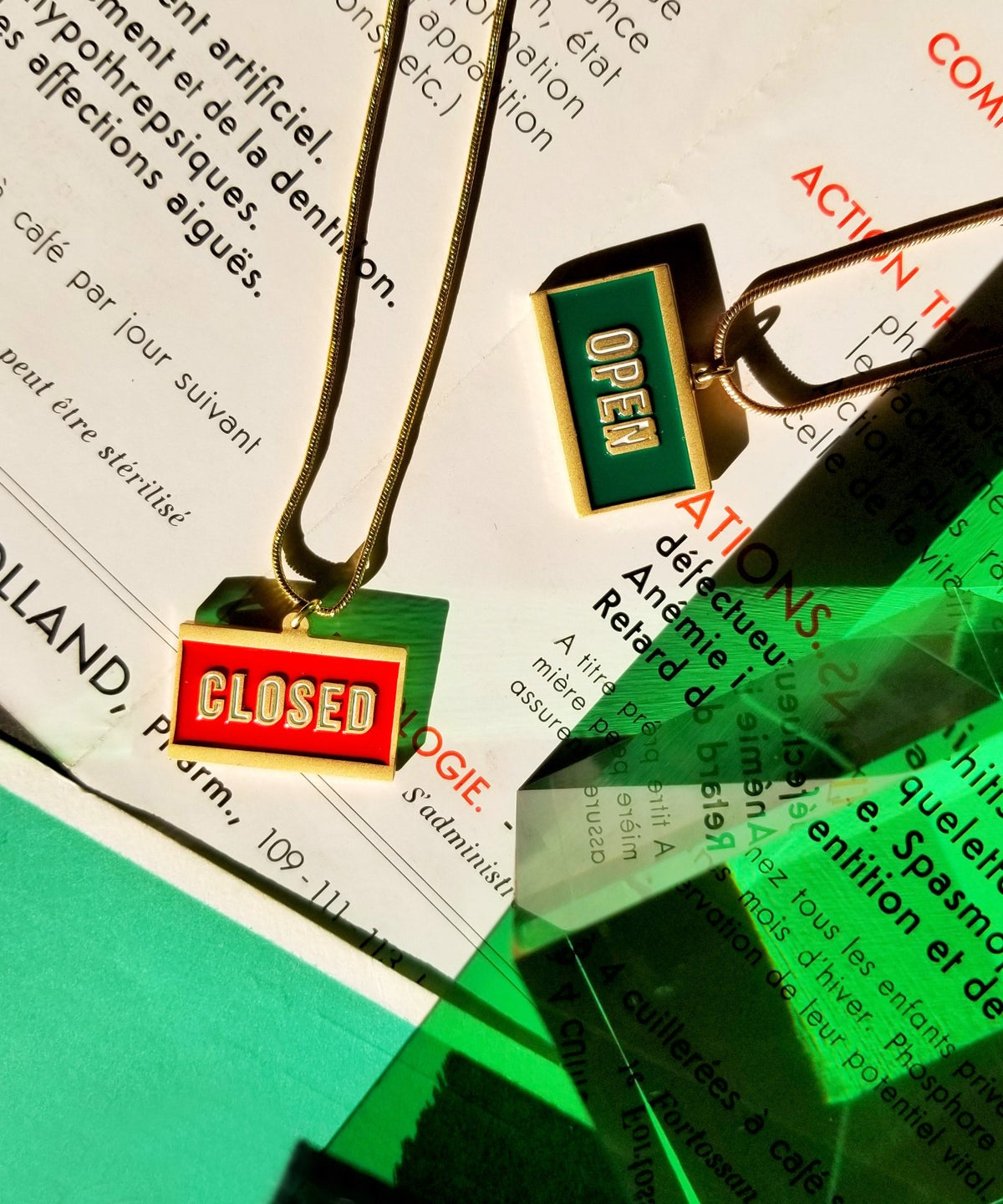 Image of OPEN+ CLOSED - reversible necklace- Green/ RED  • Stainless steel