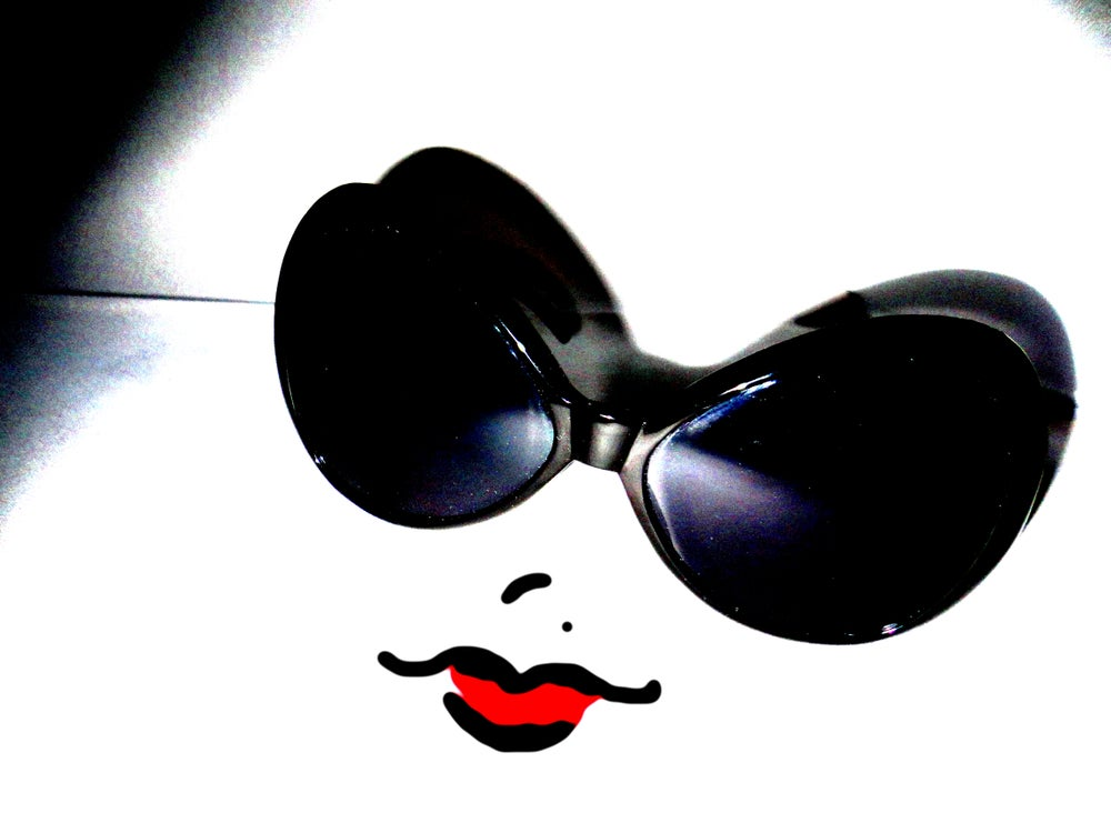 Image of Lady Sun-Glasses