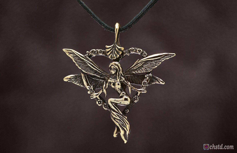 Image of Pendant : ELF : Necklace / keychain