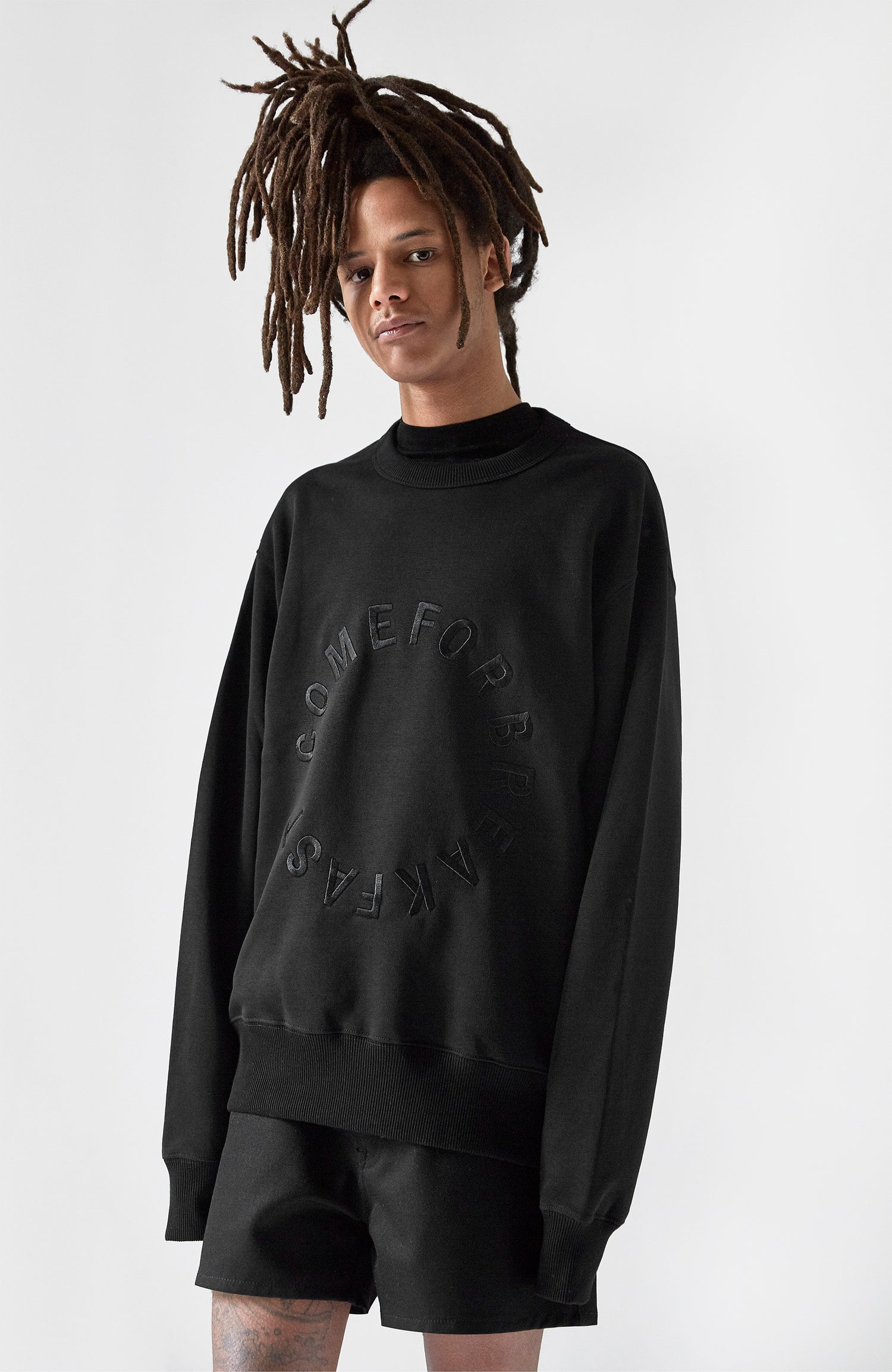 Image of SWEATSHIRT WITH BLACK EMBROIDERED ROUND COMEFORBREAKFAST LOGO - MAN