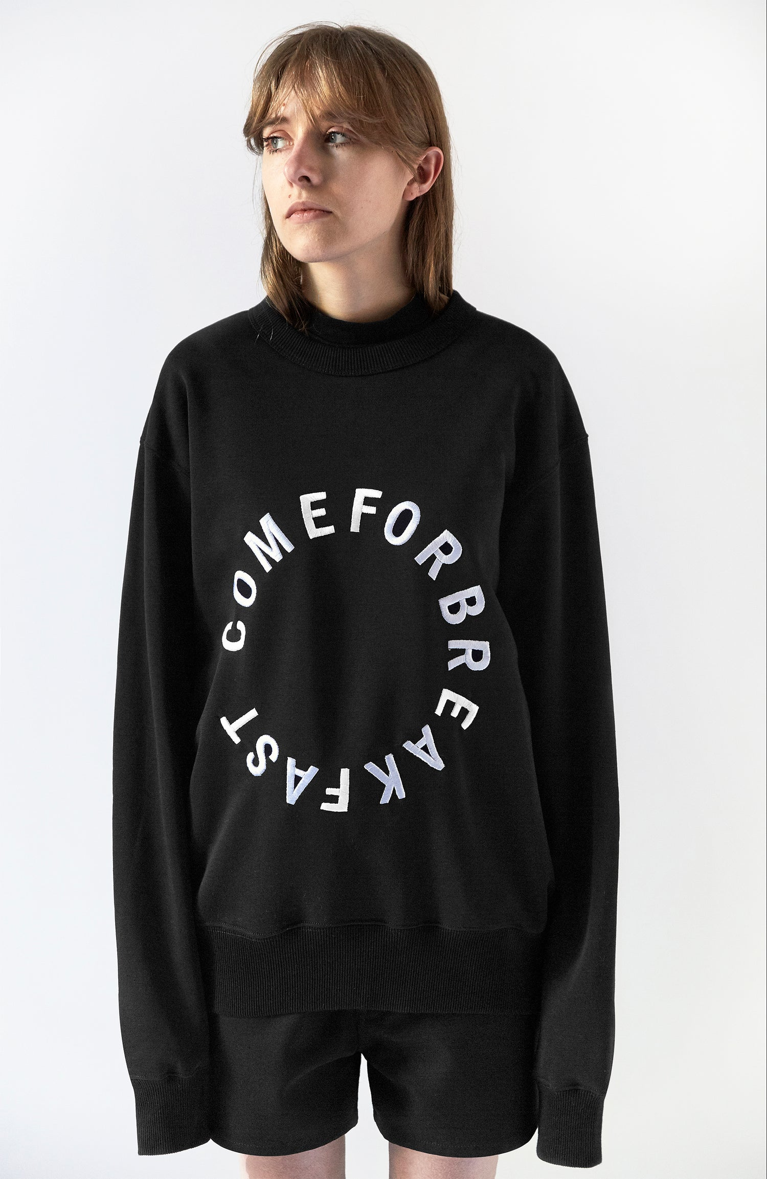 Image of SWEATSHIRT WITH WHITE EMBROIDERED ROUND COMEFORBREAKFAST LOGO - WOMAN