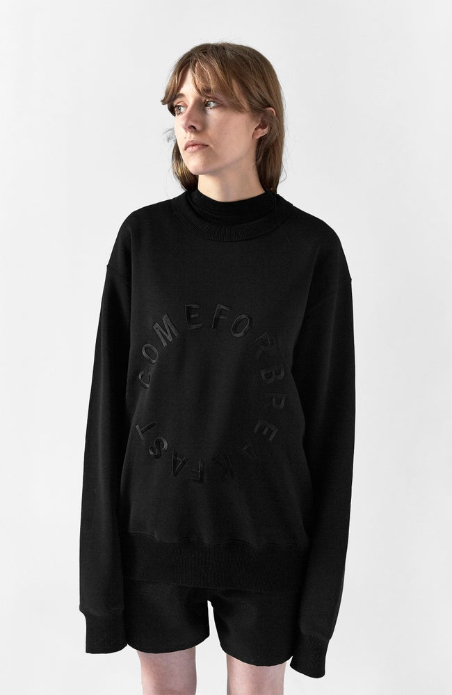 Image of SWEATSHIRT WITH BLACK EMBROIDERED ROUND COMEFORBREAKFAST LOGO - WOMAN