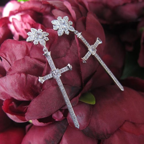 Image of Gothique crucifix earrings