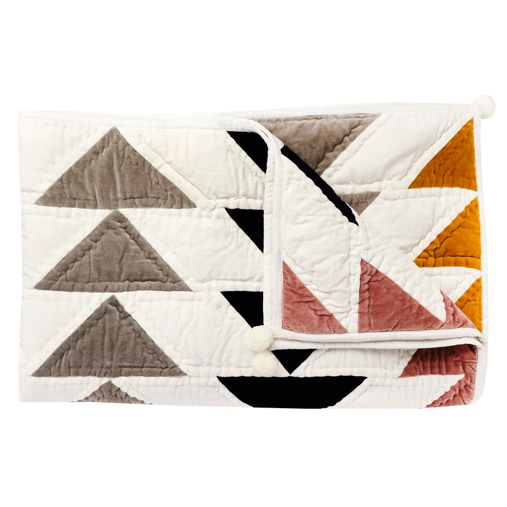 Image of T i l k k u Patchwork blanket