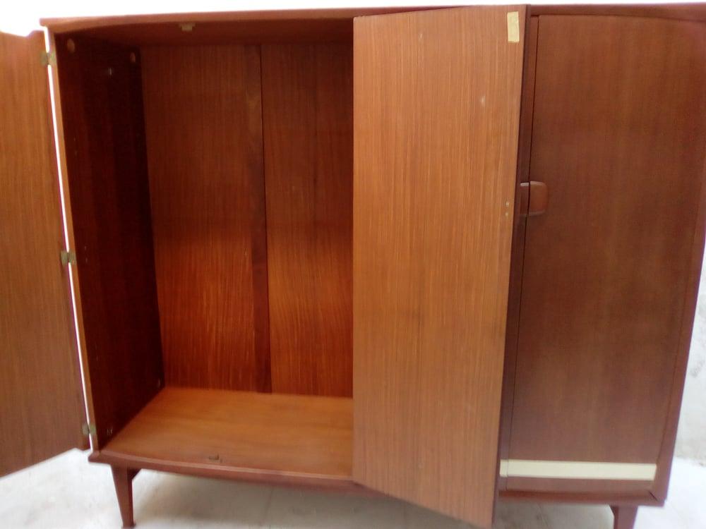 Image of Grande armoire penderie étagères plaquée teck