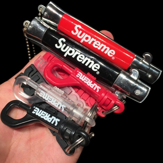 Image of 2010 Rubber Surfstyle Keychain & Switchblade Comb