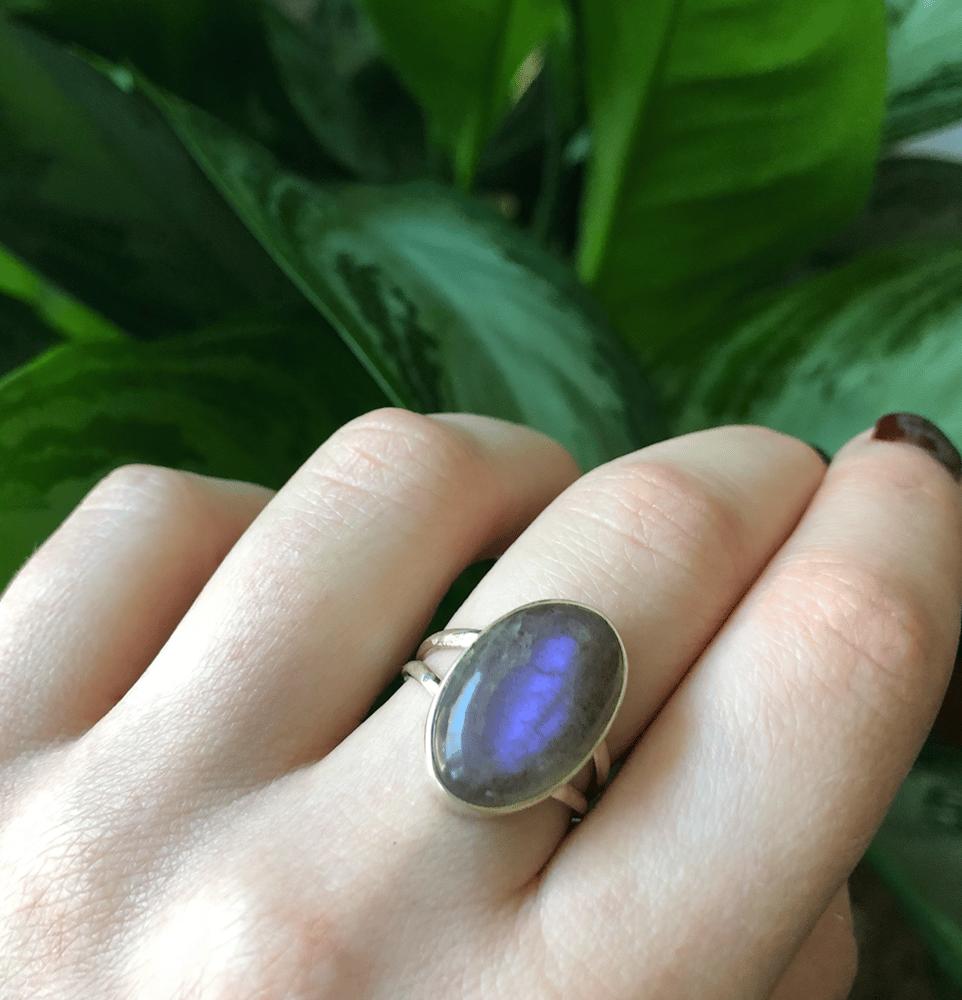 Image of Pink + Purple Flash Labradorite Sterling Silver Ring (7)