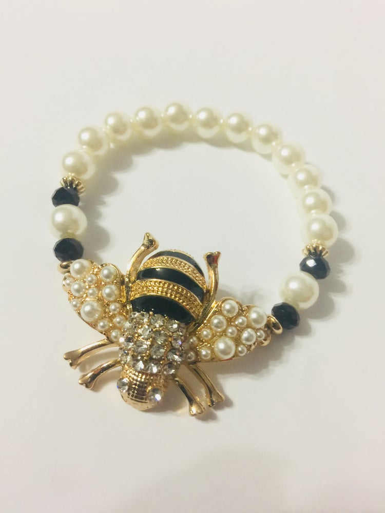 Image of BLACK & PEARL BEE ACCESSORIES
