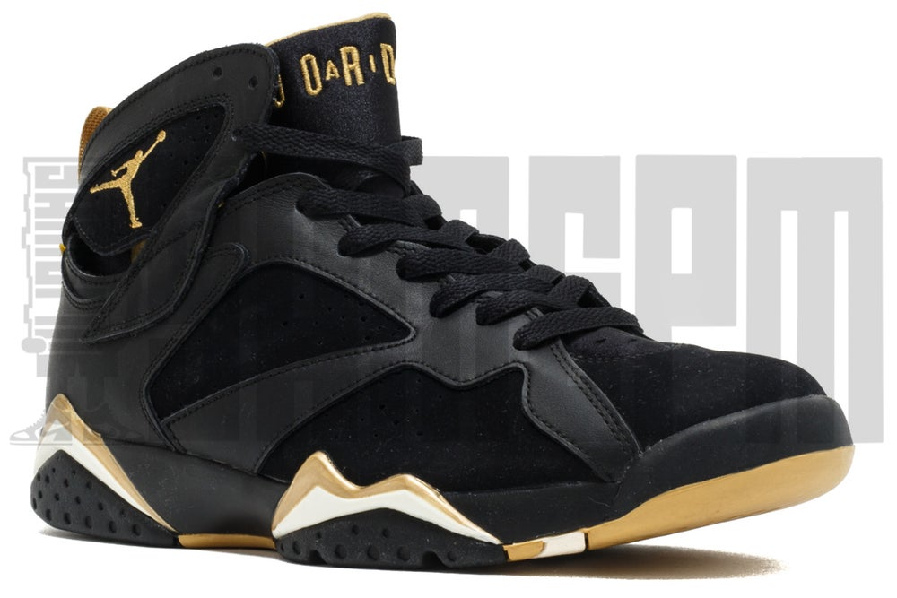 Image of Nike AIR JORDAN GOLDEN MOMENT PACK