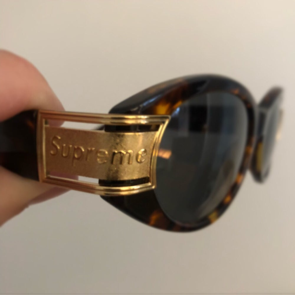 b26a228277d2c Image of Supreme Plaza Sunglasses   Tortoise