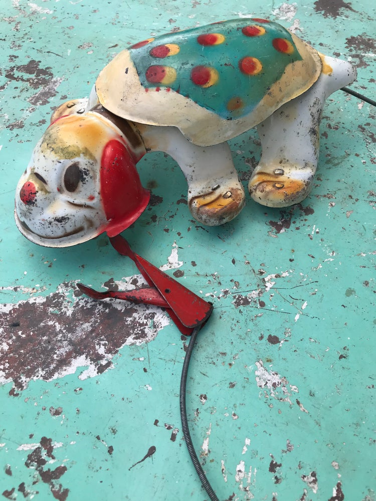 Image of Petit chien mécanique en métal sérigraphié