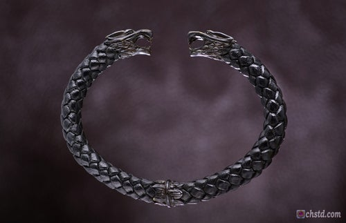 Image of Leather Torc Bracelet / Wolfs / Dark