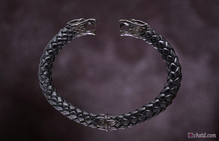 Image of Leather Bracelet / Wolfs / Dark