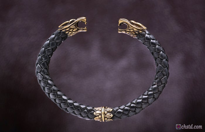 Leather Torc Bracelet / Wolfs / Black