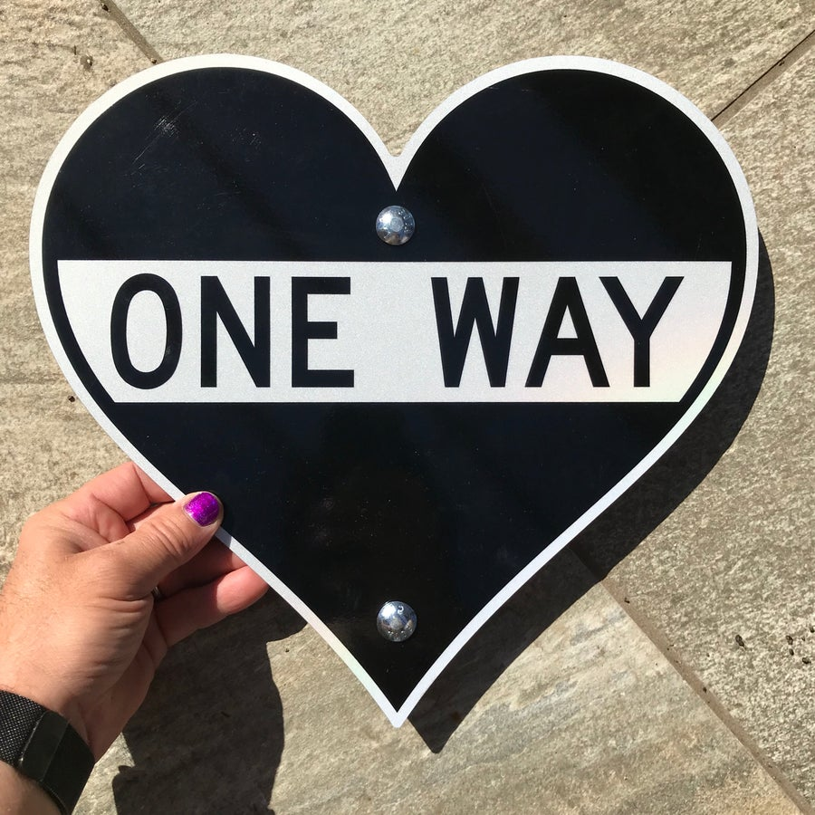 "Image of 12"" One Way Heart Sign (Signed)"
