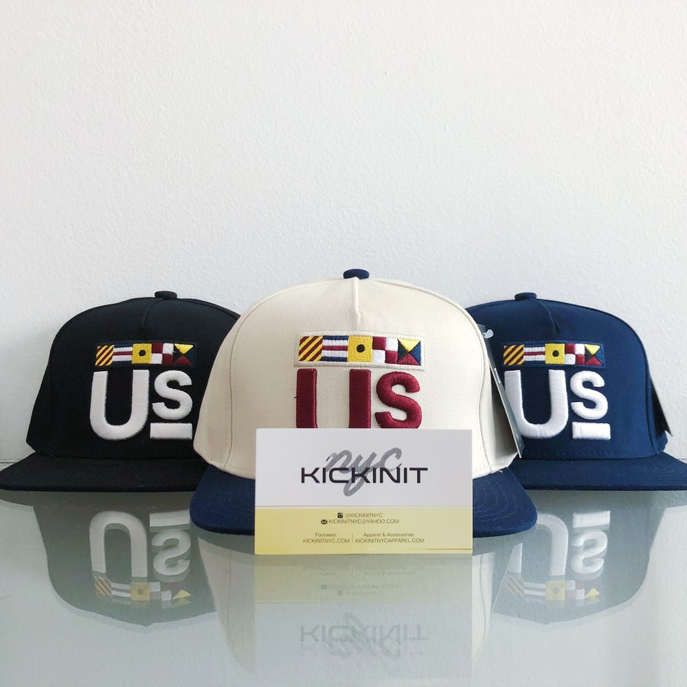 "Image of KITH ACADEMY ""US"" LOGO HAT"