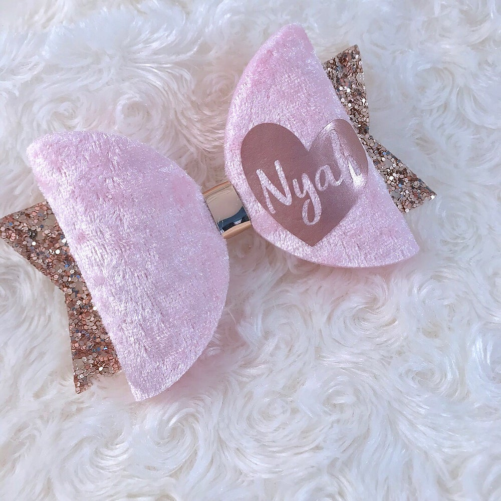 Image of PERSONALISED ROSE GOLD HEART BOW