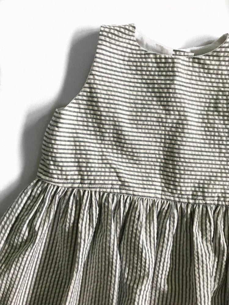 Image of [2/3t] Sleeveless Twirl Dress in Grey/White