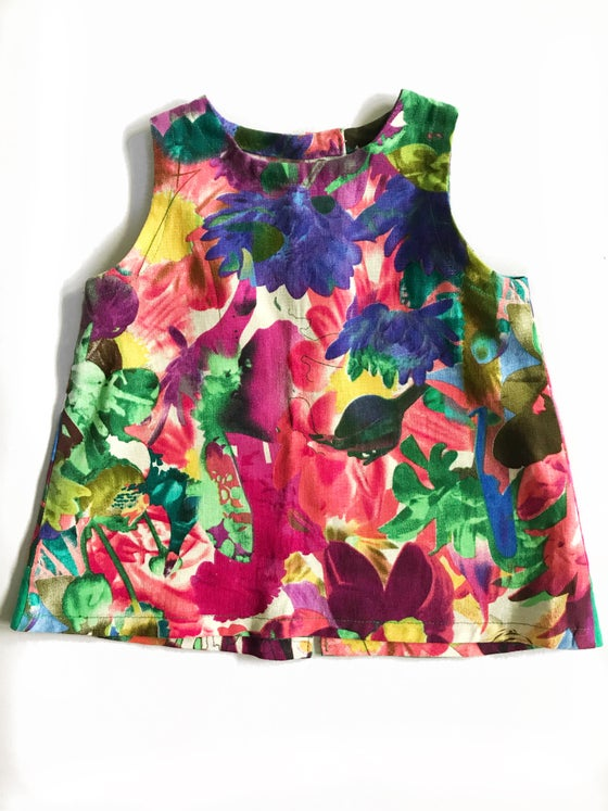 Image of [4t] Sleeveless top in multicolor floral w/ green on back
