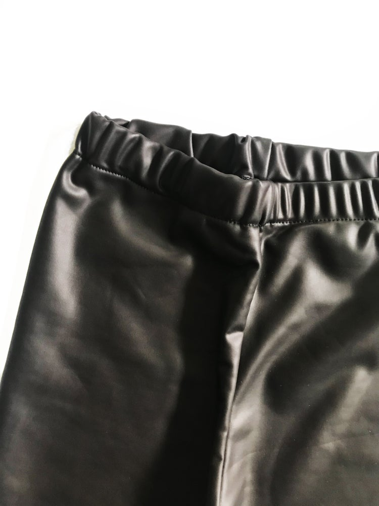 Image of [4t] Faux Leather Leggings in black