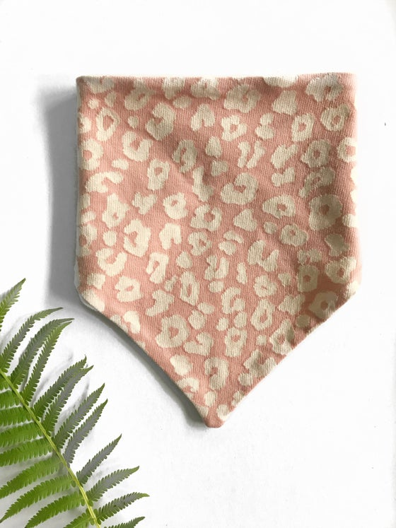 Image of Toddler Bandana Bib in blush leopard