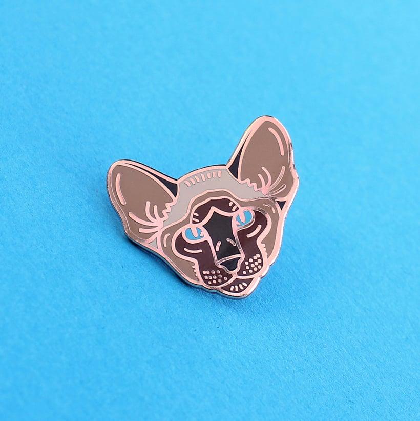 Image of Siamese cat, hard enamel pin - rose gold plating - cat breed - cat pin - meezer - lapel pin badge