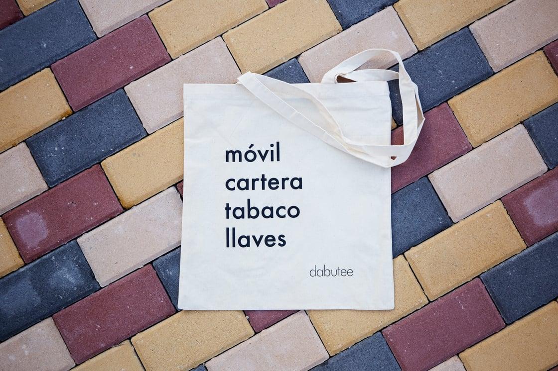 Image of Tote bag 'Móvil, cartera, tabaco, llaves'