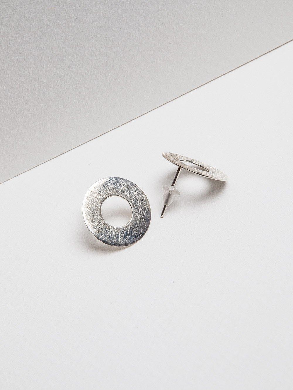 Image of Ruote orecchini in argento satinato