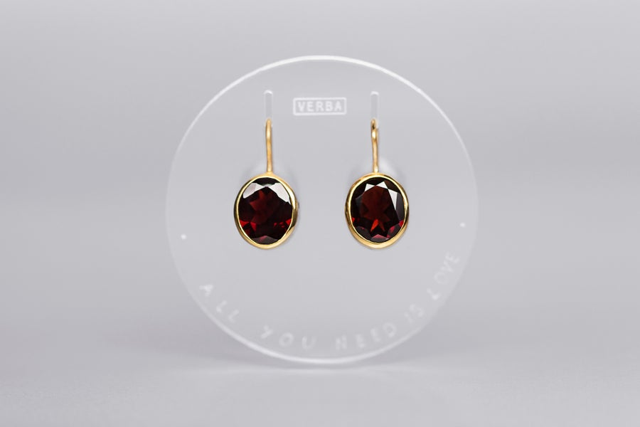 Image of gilded silver earrings with garnets AMORE TANTUM OPUS EST