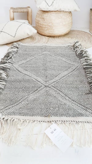 Image of Moroccan Small Kilim Rug - Diamond Pattern Flatweave #5