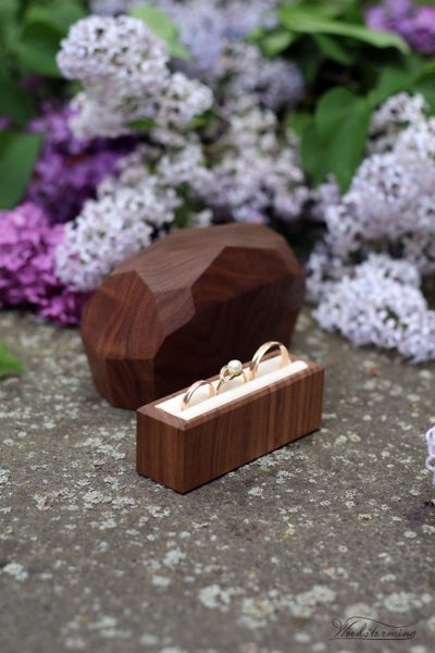 Image of Faceted ring box - ring bearer box