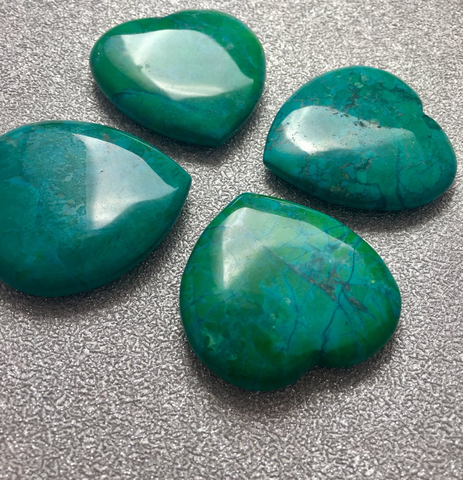 Image of Howlite Hearts in Crysocolla Green