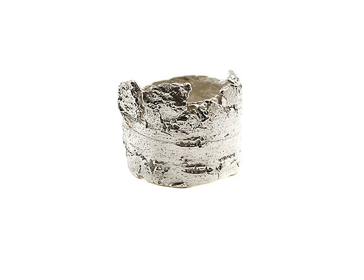 Image of rugged bark crown ring
